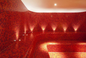 Trend-red-steam-room-2